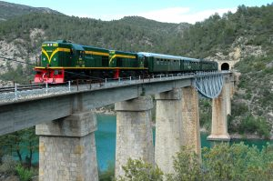 Tren dels Llacs i pont
