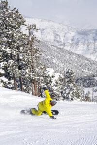 esquiador a la neu