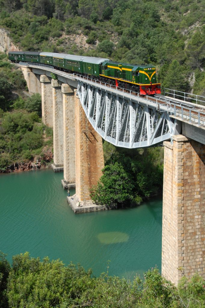Tren dels Llacs FGC