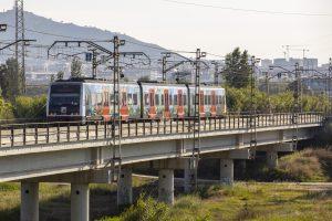 Tren FGC i pont