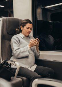 Dona embarassada al tren fgc