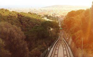 Via cremallera i Barcelona de fons