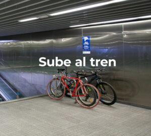 Foto sube al tren